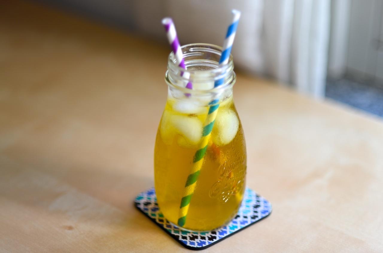 L'infusione a freddo è utile per preparare il tè freddo in casa